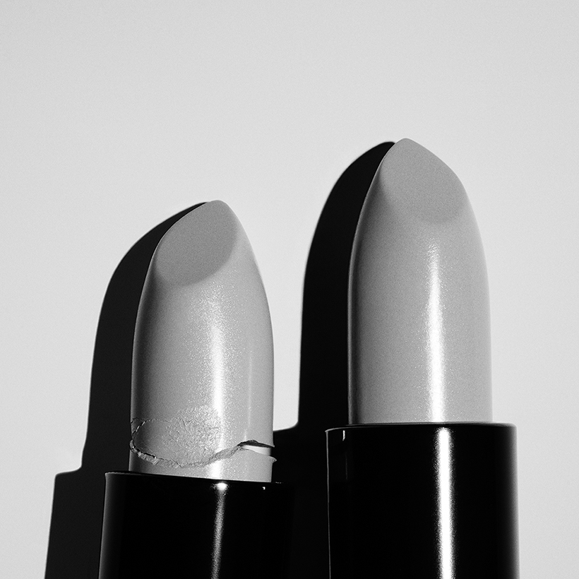 contemporary art london bw lipstick photography 4